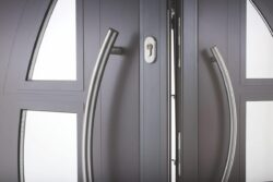 A choice of designer handles, lever handles and accessories enables the creation of an individual front door for the home.