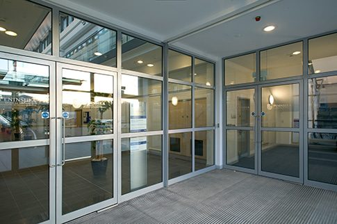 Commercial building fitted with Kawneer Doors.